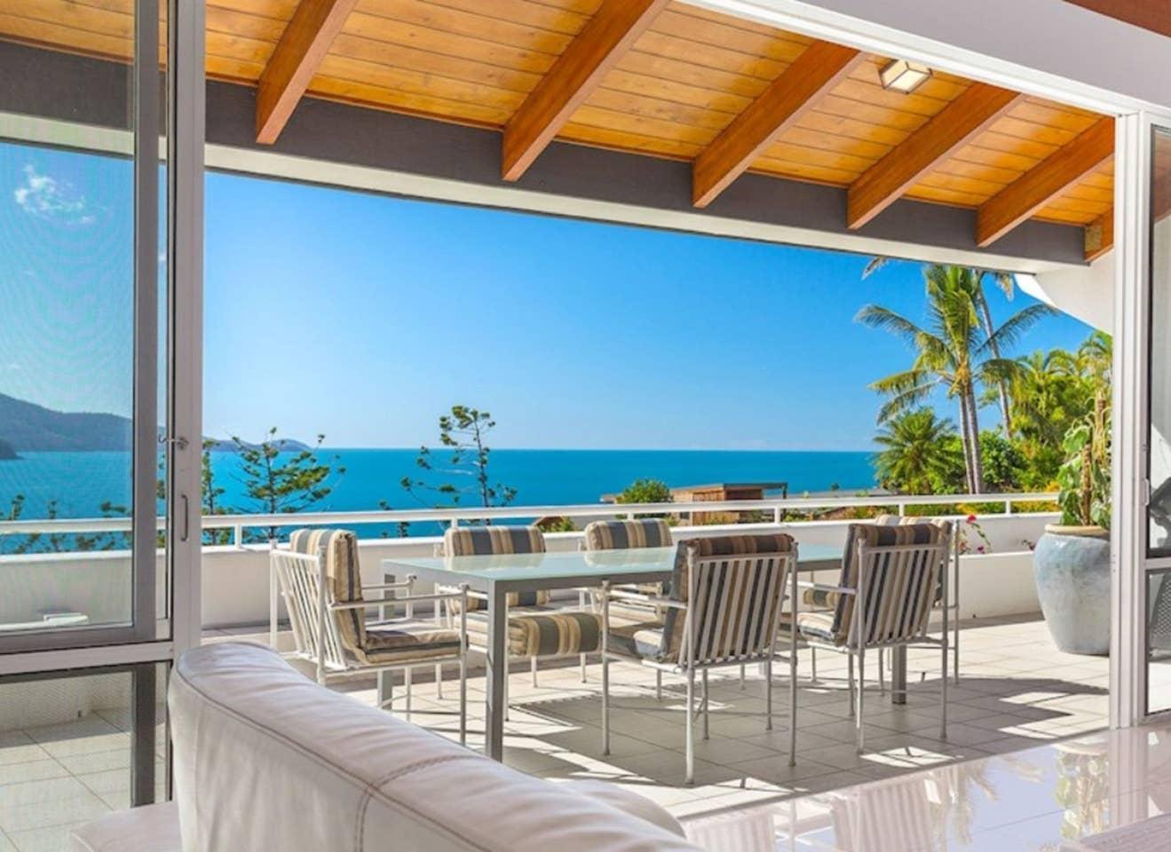 Bella Vista West 3 Luxury Ocean View  Golf Buggy