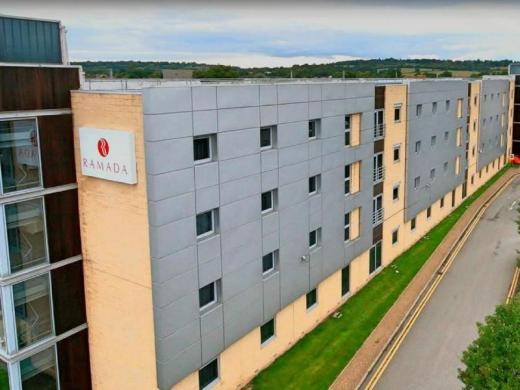Ramada by Wyndham London North M1