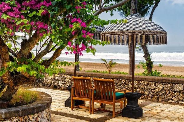 Beautiful Garden Lanai Room-B'Fast