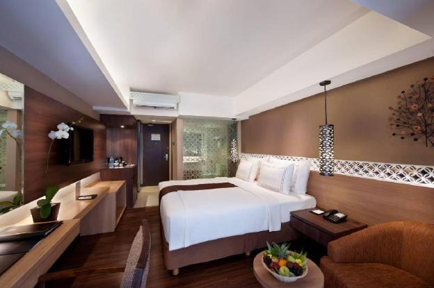 Junior Suite Room-Breakfast|RWK
