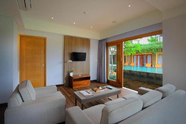 Kirana Suite Room-Breakfast|TKH