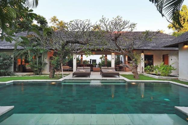 Three BR Villa with Private Pool+ Brkfst@Seminyak