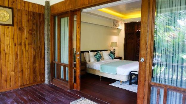 1 BR Deluxe Room with Pool View - Breakfast