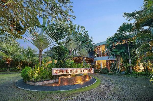 4 BR Villa with Private Pool + Brkfst @Jimbaran