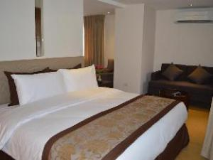 Imperial Palace Suites Quezon City Hotel