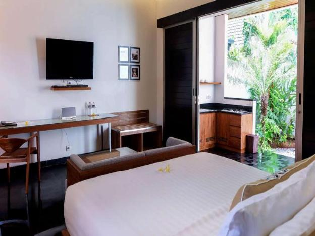 Deluxe 1BR Villa with Private Pool - Breakfast