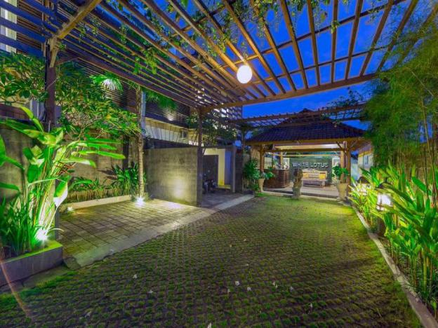 3BR Luxury View Pool Villa+Breakfast Seminyak Area