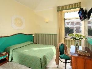 關於多麗察飯店 (Hotel Dorica)