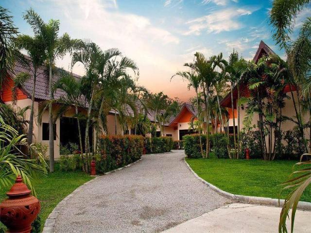 ร่มไม้ เรือนงาม รีสอร์ต – Rommai Reunngam Resort