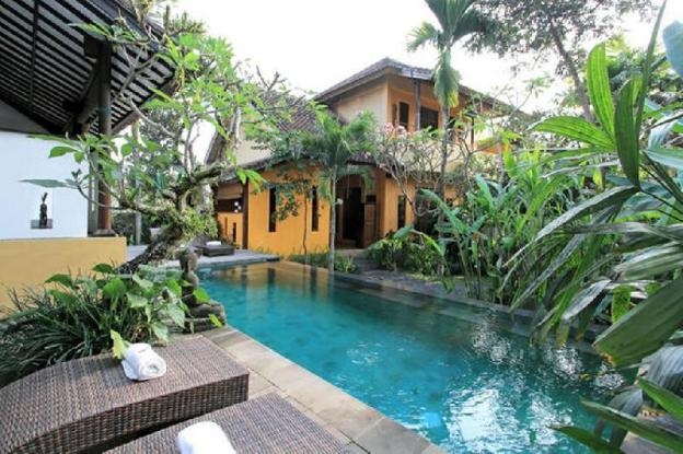 1 BR Wooden House with Private Pool + Breakfast