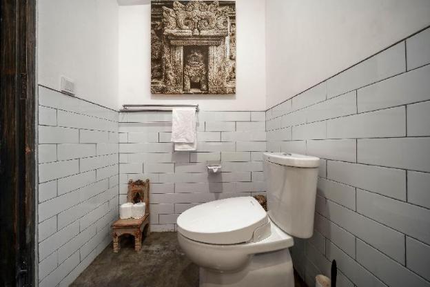 Unique Retro Seminyak Private Mansion - NEW