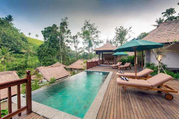 2BR Private Pool Villa + Breakfast