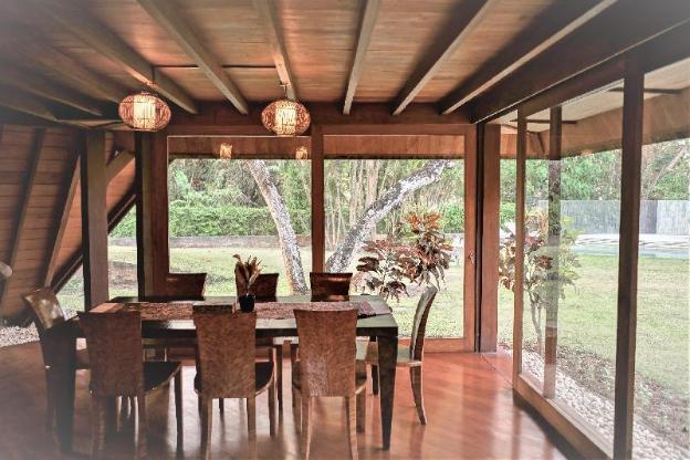 Entire house - 4 Bedroom Big Garden Villa