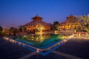 Про Aureum Palace Hotel & Resort (Aureum Palace Hotel & Resort)
