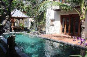 Lamin Etam Saba Villa