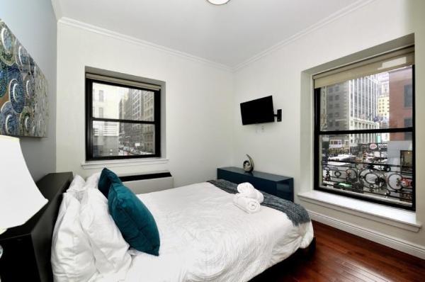 Doorman 1 bedroom apartment (8743) New York