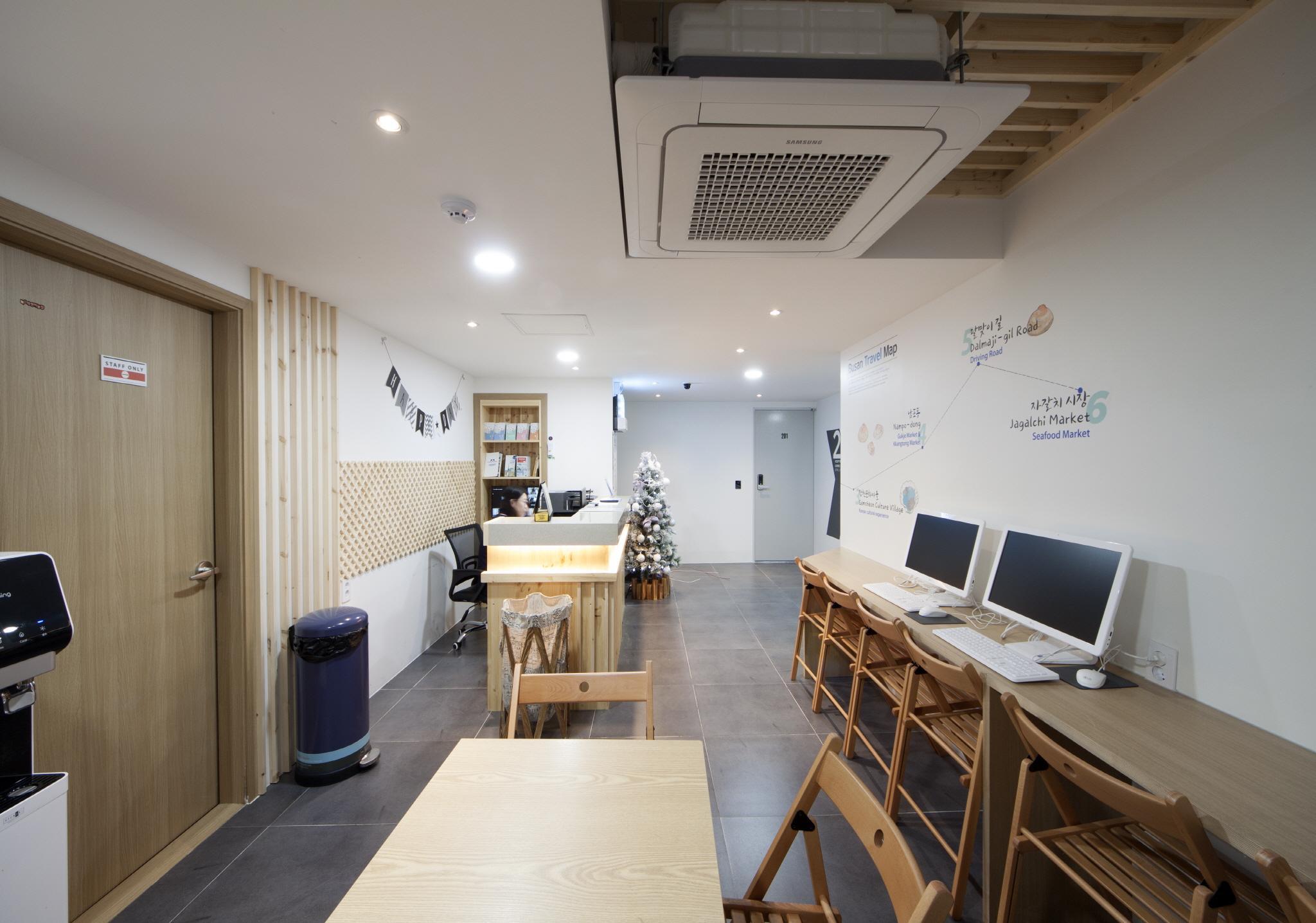 K Guesthouse Premium Busan Station 1