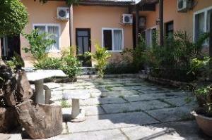Lacheln Guest House