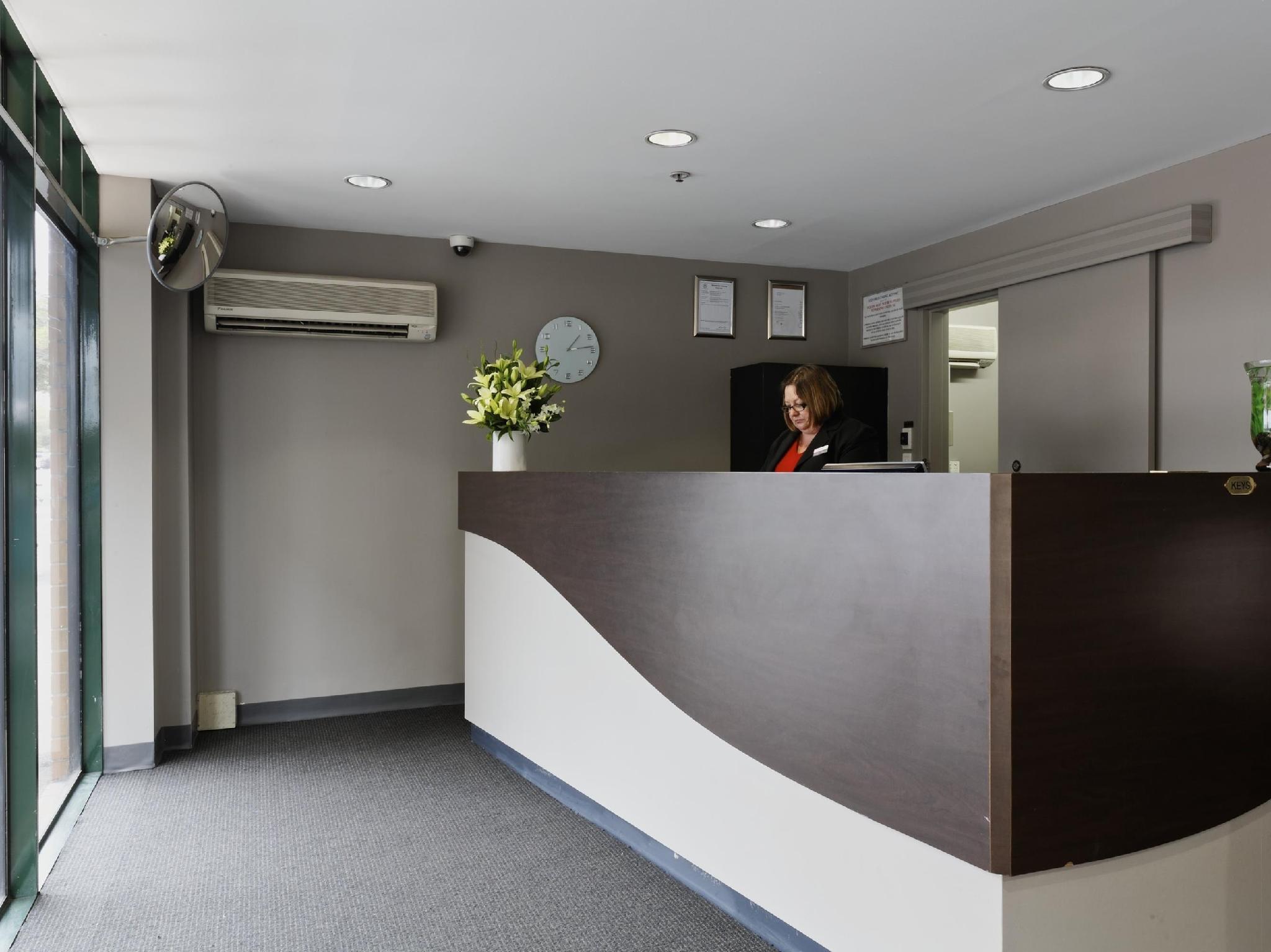 Discount BreakFree Directors Studios Hotel