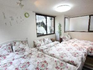 KIM 5 Bedroom Big House in Central Tokyo