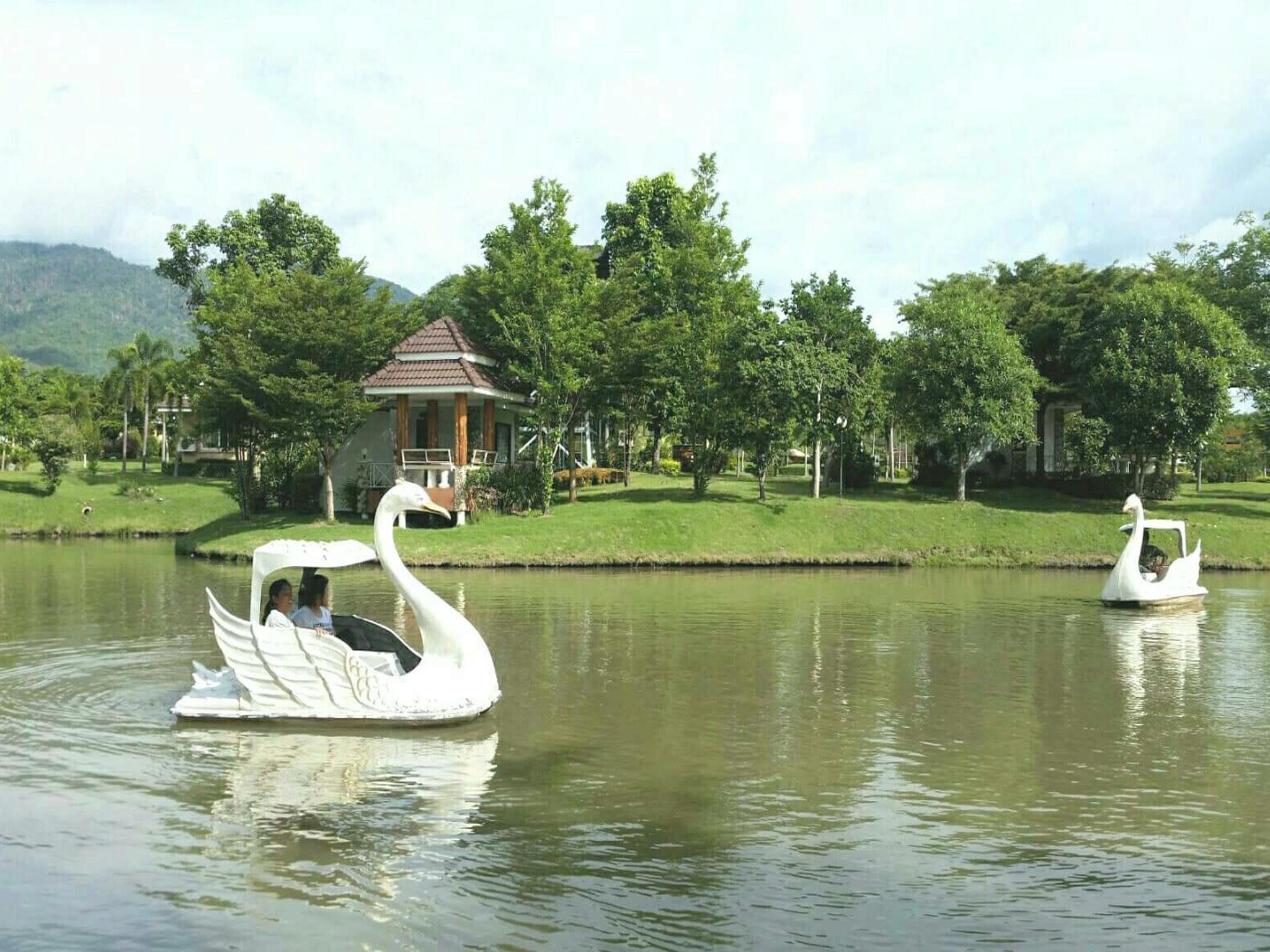 Tanaosri And Creekside Resort