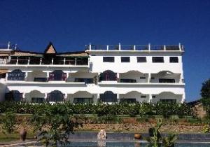 Kumudra Hill Inn & Spa