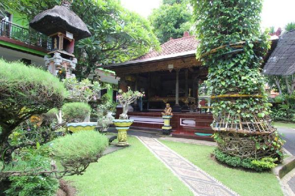 RedDoorz @ Pendawa Kuta Bali