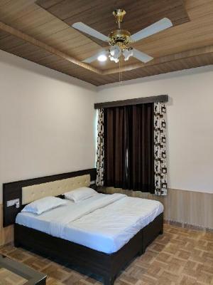 Gulmohar Garden And Motel
