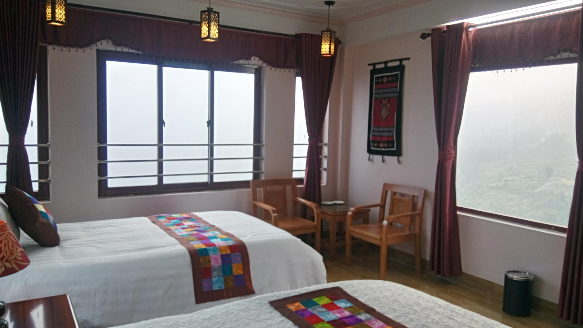Black H'mong View Hotel