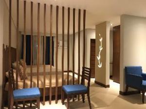 Sage Leaf Hotel