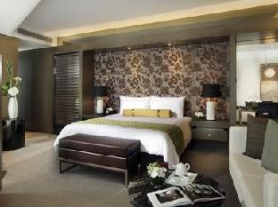 1 King Bed Club Executive Suite