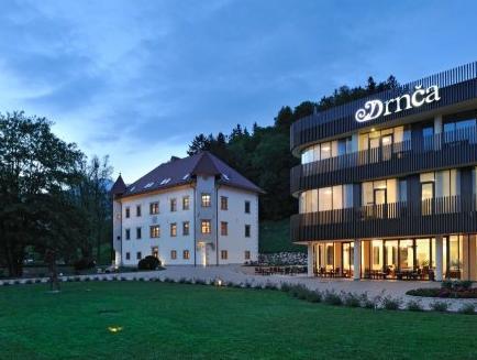 Lambergh Chateau And Hotel