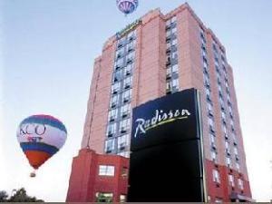 Radisson Kitchener  (Radisson Hotel Kitchener Waterloo)