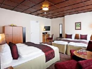 Comfort Hotel tom Kyle Kiel