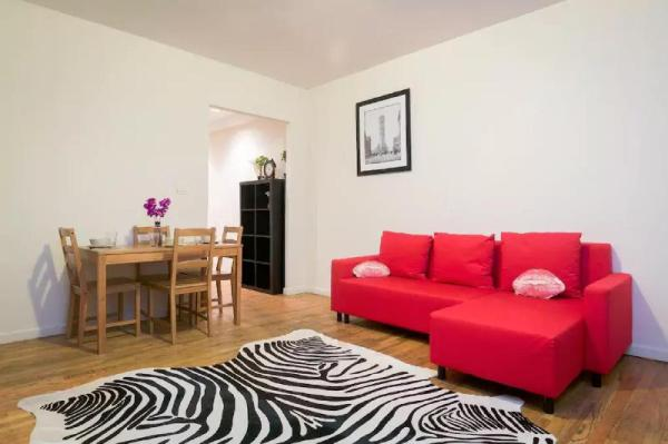 Midtown Holiday East Duplex 1BR 750ft2 New York