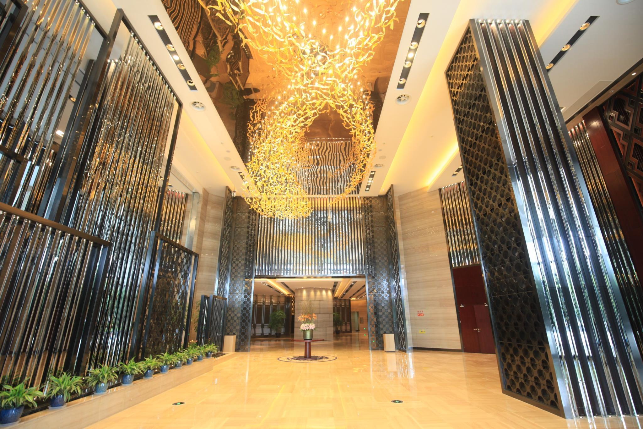 Chongqing River Hotel