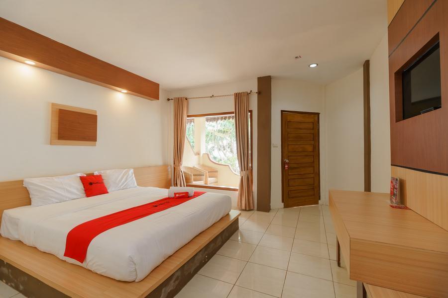 RedDoorz Premium Near Anoi Itam Beach Sabang