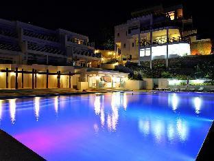 picture 4 of Cohiba Villas Hotel