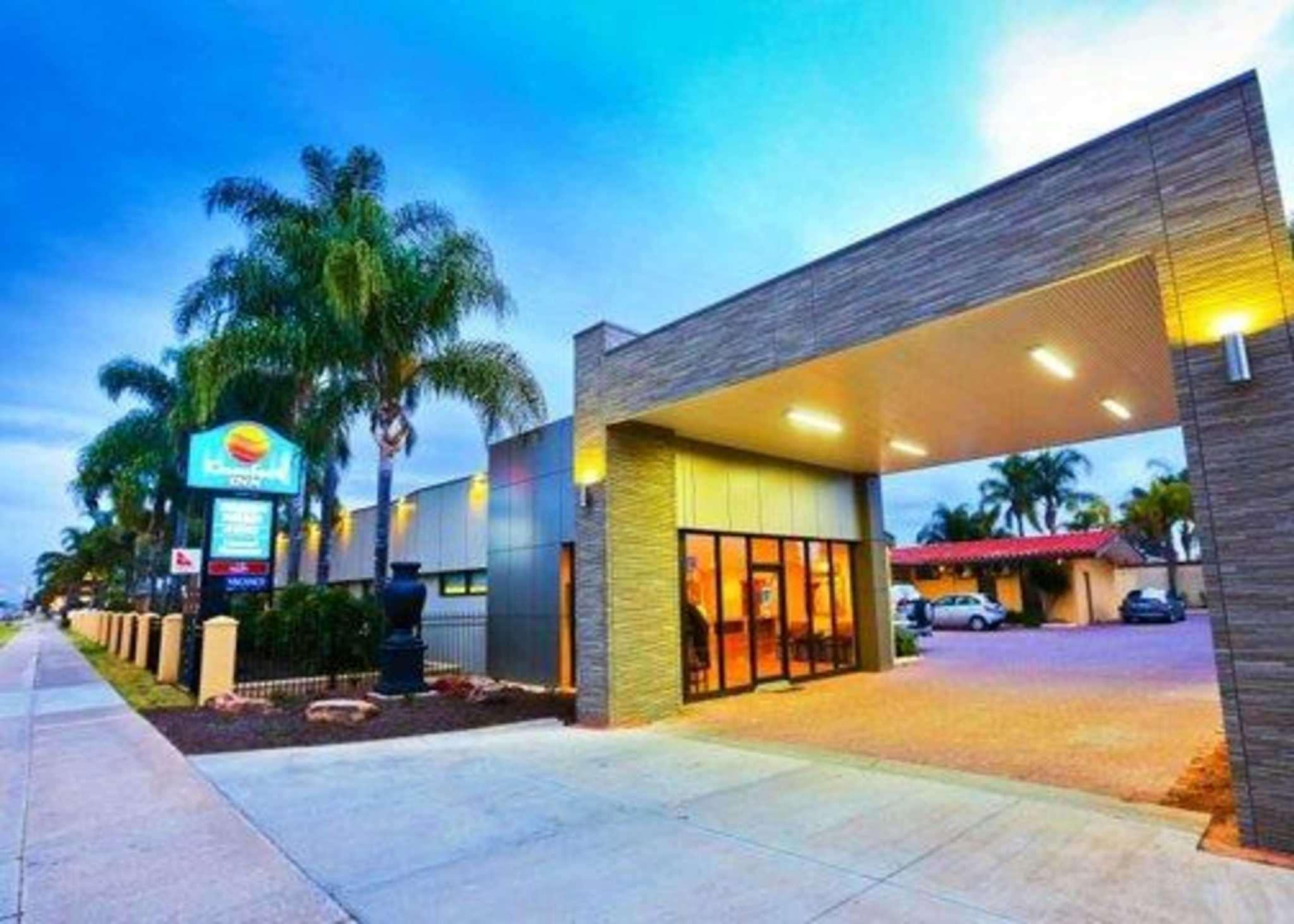 Comfort Inn Deakin Palms Reviews