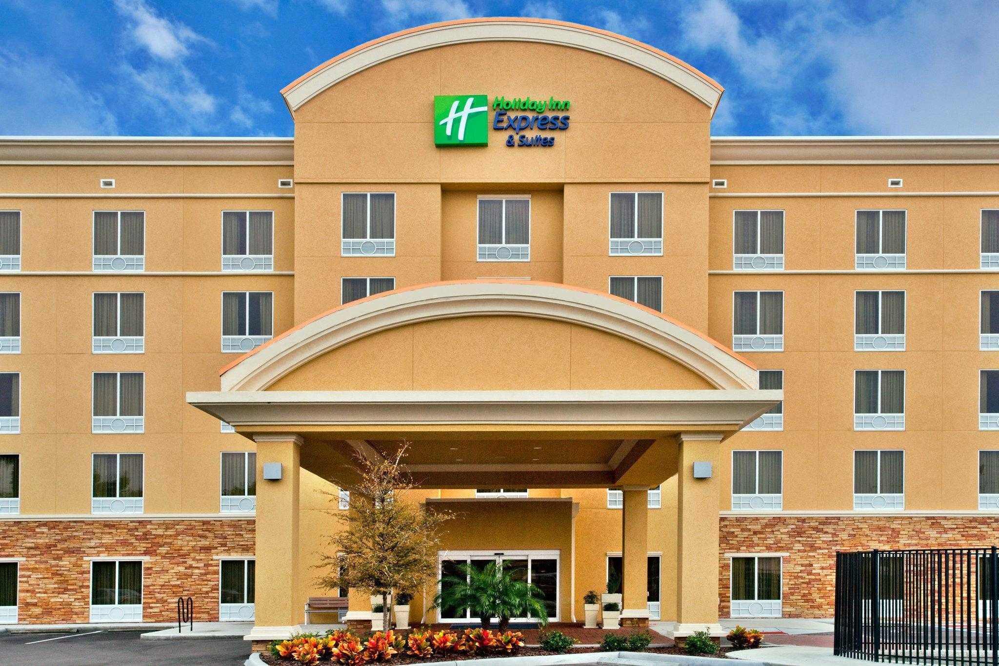 Holiday Inn Express Hotel And Suites Largo Clearwater
