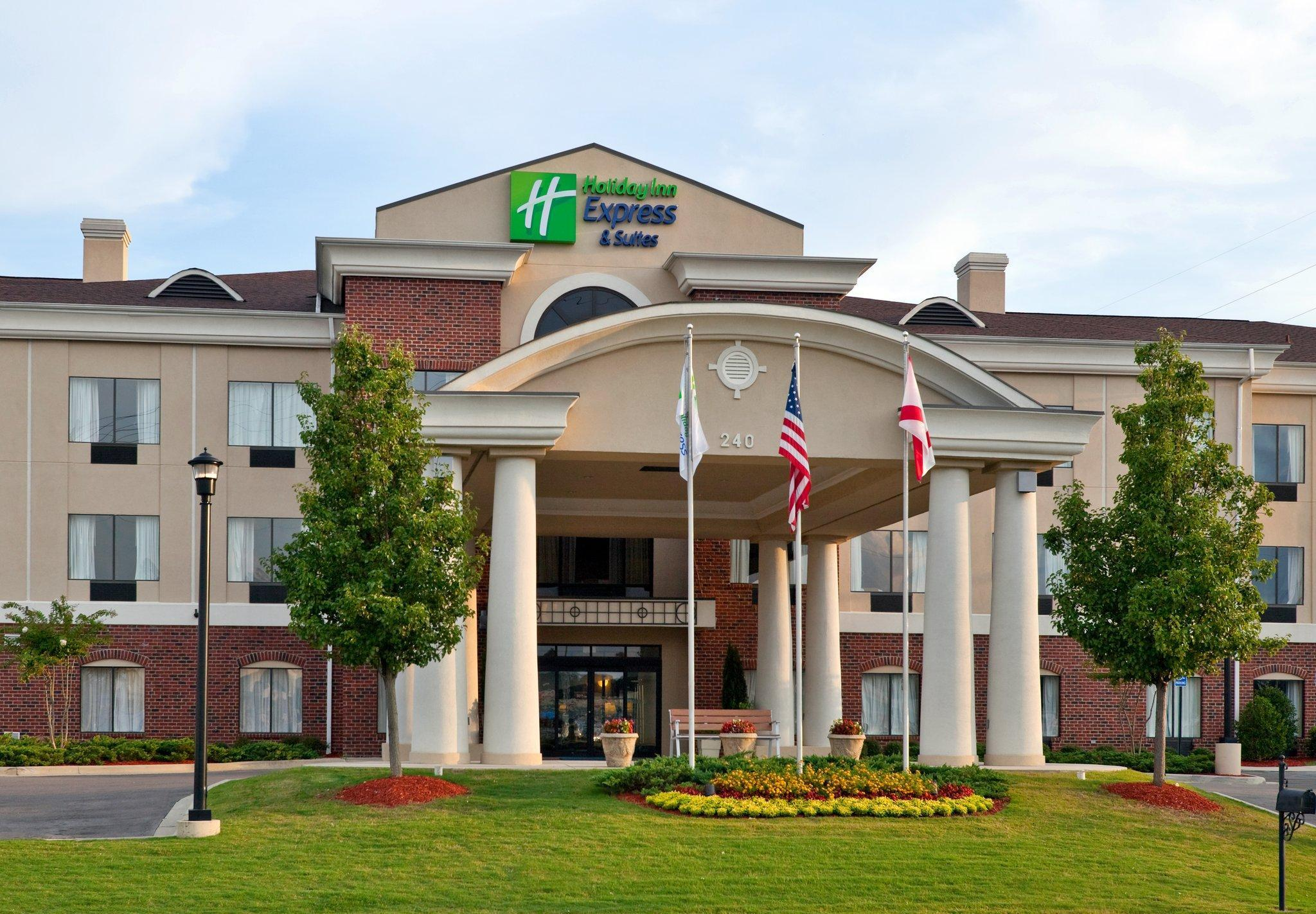Holiday Inn Express Hotel And Suites Pell City