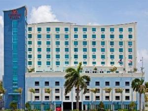 クラウン プラザ ホテル & リゾーツ フォート ローダーデール エアポート / クルーズ (Crowne Plaza Hotel & Resorts Fort Lauderdale Airport/ Cruise)