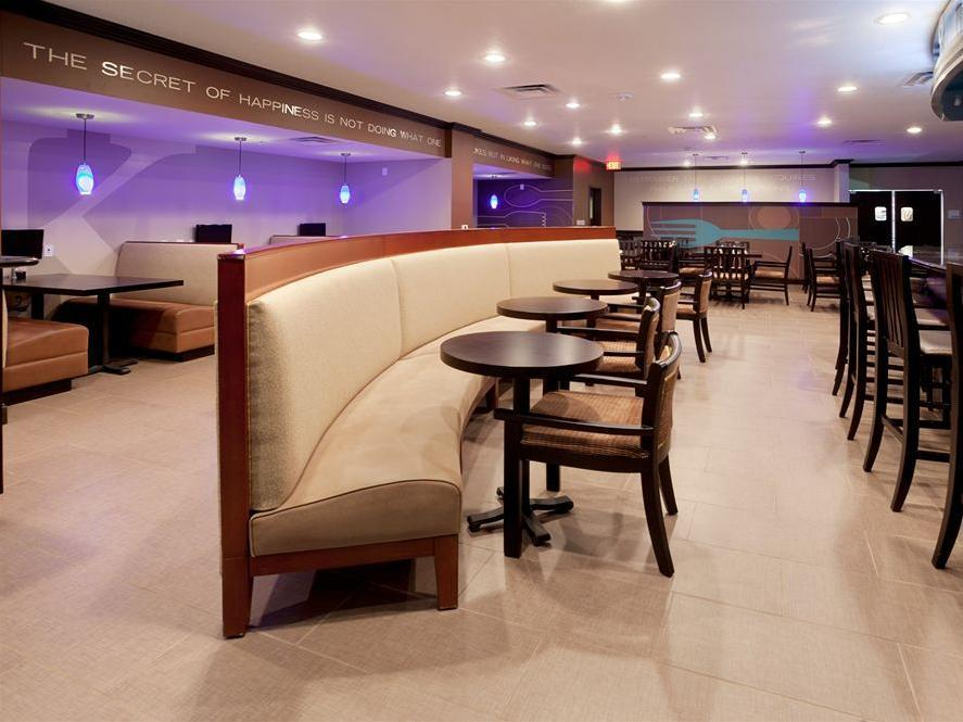 Holiday Inn San Antonio North Stone Oak Area