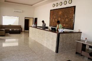 Hotel Leo Paradise - OMR - Chennai