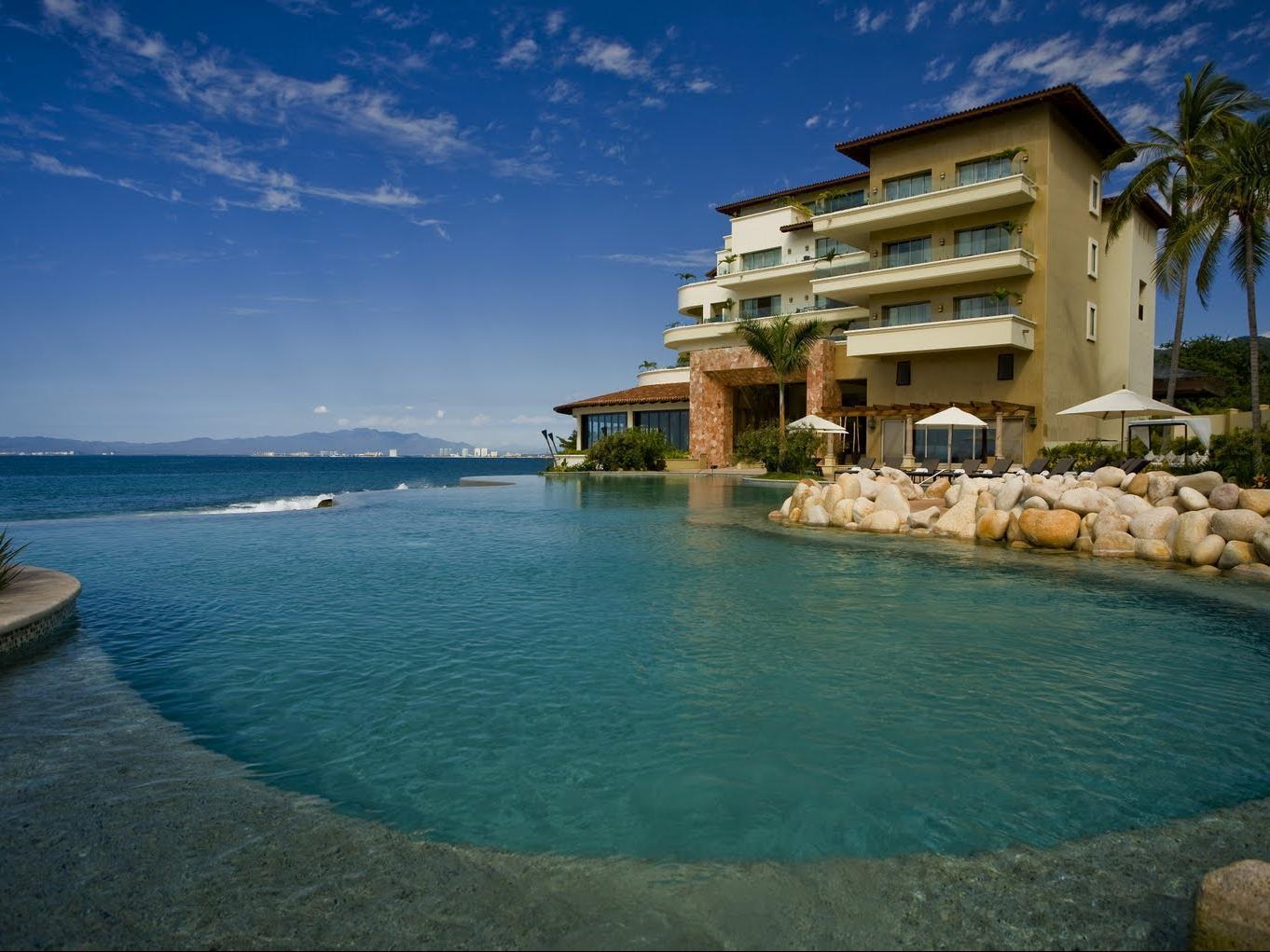 Garza Blanca Preserve Resort