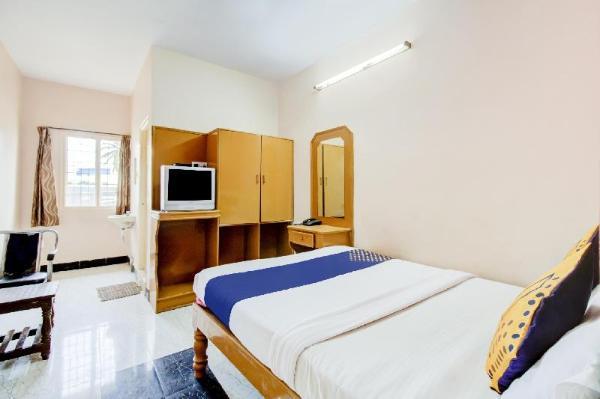 SPOT ON 75492 The Royal Comfort Bengaluru
