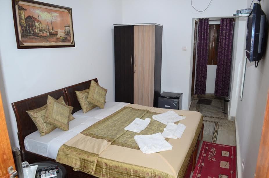 Reviews Hotel Shivratri Guesthouse