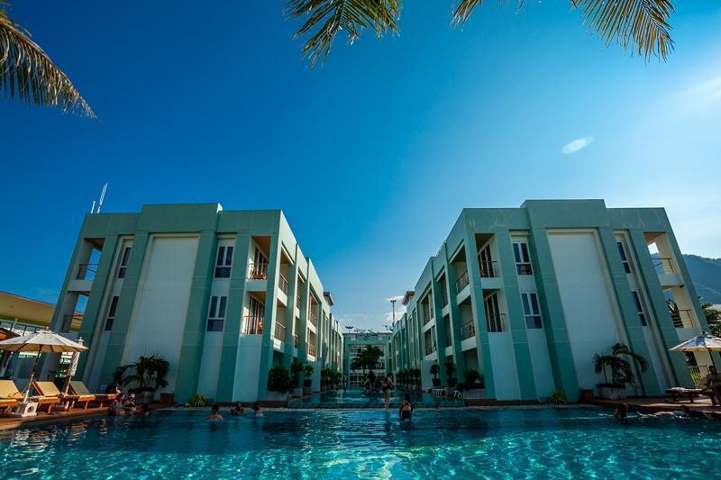 Phi Phi Harbour View Hotel พีพี ฮาร์เบอร์วิว โฮเต็ล