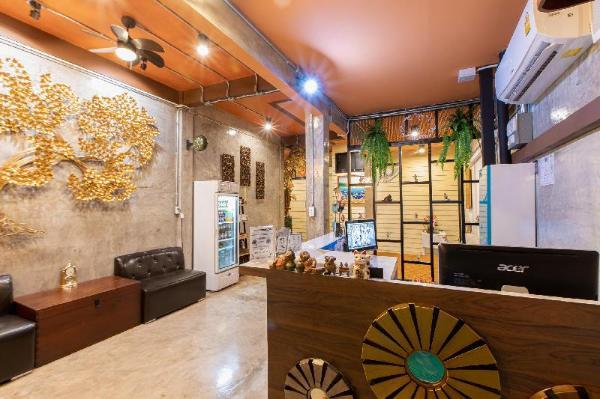 The Alley Hostel & bistro Bangkok