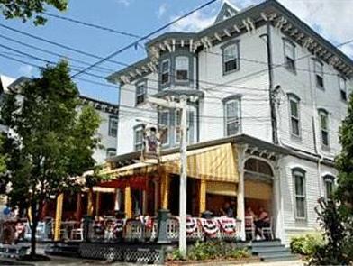 The Carroll Villa Hotel